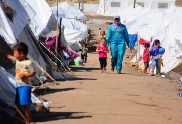 AFAD stated 285,984 Syrians fled to Turkey so far and 93,991 of them returned to Syria
