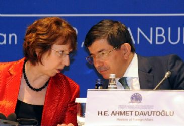 Ashton briefed Turkish FM Davutoglu about Kazakhstan talks regarding Iran's program