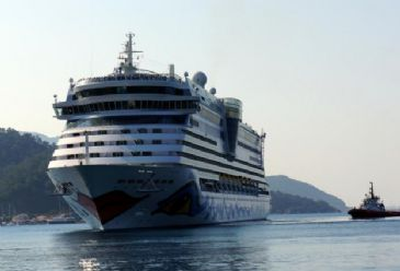 One of the largest cruise liners in the world arrived in the touristic town of Marmaris