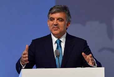 Turkish President Abdullah Gul stressed the importance of the Syrian regime`s completely handing over its arsenal
