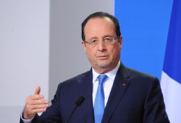 France´s state auditor warns that France runs a 'significant risk' of overshooting its budget deficit target for this year and must cut further on spending.