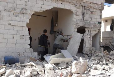 The men, aged between 15 and 55, are being questioned by Syrian authorities in Homs, UNHCR spokesperson says.