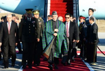 Afghanistan President Hamid Karzai and Pakistani Prime Minister Muhammad Nawaz Sharif will attend the trilateral summit with Turkish President Abdullah Gul in Ankara on Thursday.