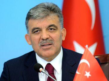 President Abdullah Gül had phone conversations with Turkmen President Gurbanguli Berdimuhamedov and Palestinian President Mahmoud Abbas.
