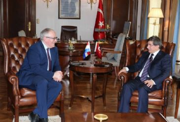 Turkish president asks the Netherlands to continue with its support for Turkey's EU membership.