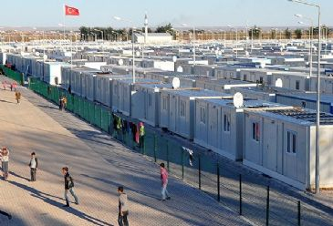 "The New York Times reporter describes Turkish refugee camp for Syrians as a ""perfect refugee camp"