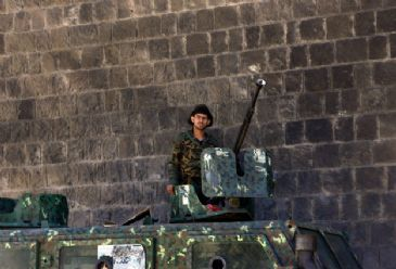 The death toll of deadly clashes between Yemeni army forces and separatists in the southern province of Ad Dali' rose to 11, military and local sources said.