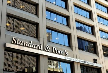 S&P cuts Ukraine's credit note from CCC plus to CCC.