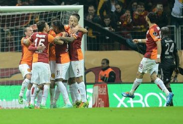 Istanbul's Galatasaray defeated crosstown rival Besiktas 1-0, to hold onto second place in the Super Toto Super League.