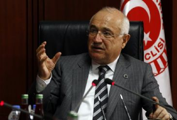 Cemil Cicek and Ann Cwlyd discussed the detention of Turkish MPs.