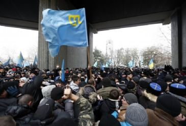As secession scenarios surrounding chaos in Ukraine mulitply, pro-Russian demonstrations gather pace in strategic peninsula