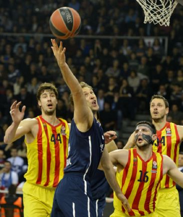 Fenerbahce Ulker host Greek team Olympiacos, Anadolu Efes play against unbeaten leaders of Group E Barcelona, and Galatasaray Liv Hospital play away to Israel's Maccabi Electra