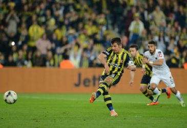 League leaders Fenerbahce increase the point gap to six at the top by defeating Genclerbirligi 2-0 in Istanbul