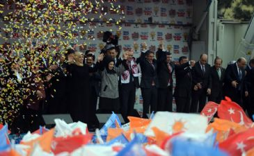 PM Erdogan in eastern city of Elazig slammed media groups who claim that the pictures of masses at AK Party meetings are digitally enhanced.