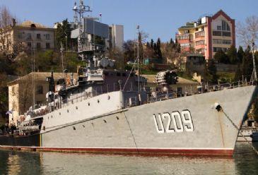 Russia tightens grip on Crimea as bulk of Ukrainian Black Sea Fleet is captured