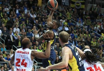 Fenerbahce Ulker are risking their chance to qualify for the Top 8 in the tournament owing to the loss against Italian team Emporio Armani Milan in Istanbul