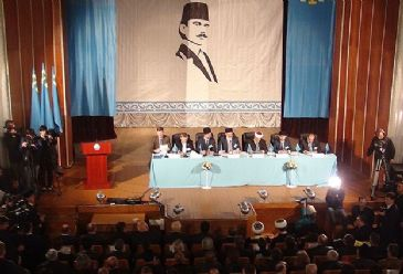 National council opts to hold referendum on autonomy after Russia illegally annexes peninsula.