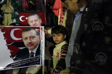 Despite their political differences, rival Palestinian factions Fatah and Hamas on Monday congratulated Turkish Prime Minister Recep Tayyip Erdogan