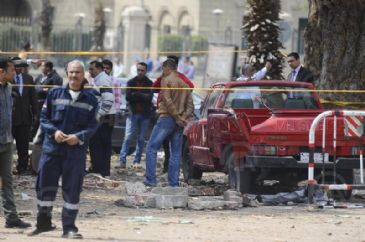 A third explosion went off outside Cairo University on Wednesday, moments after two other blasts in the same place killed a senior police officer and injured five others, an Anadolu Agency correspondent reported from the scene.