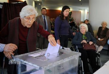 Turkey's two main political parties both called for recounts of local election votes