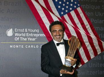 US President honors Turkish entrepreneur Ulukaya as 'Ambassador of Global Entrepreneurship' for one of bestselling yoghurt in US - Chobani.