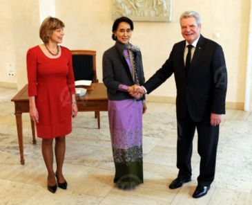 Myanmar opposition leader meets German President Gauck, on the first day of her visit to Berlin