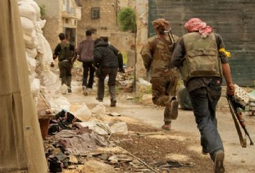Main opposition group Free Syrian Army clashes with regime forces in Aleppo on Friday