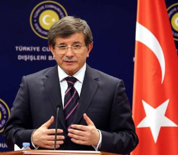 Ahmet Davutoglu refutes Syrian President's claims that the war is turning in the regime's favor