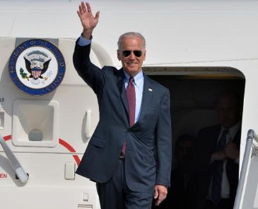 US Vice President Joe Biden arrived in Kiev Monday in a show of support for the pro-Western government, as Russia accused Ukraine of reneging on an international accord meant to defuse tensions over its separatist east.