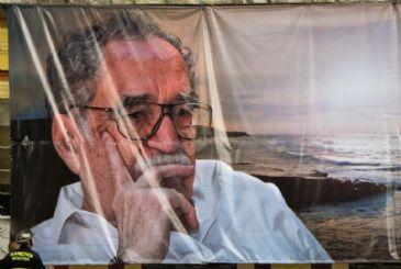 Gabriel Garcia Marquez's memorial brings central Bogota to a standstill.