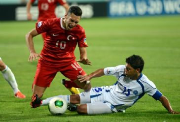 English Premier League team's Portuguese boss Mourinho wants hot prospect Hakan Calhanoglu