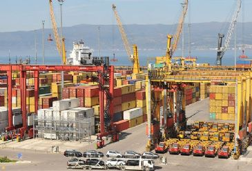 Turkey's automotive exports has increased by 10.8 percent in the first 4 months of this year compare to the same period in 2013