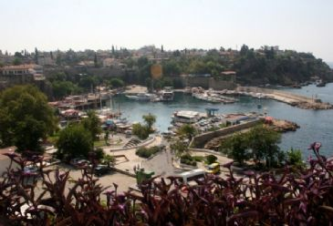 197 beaches and six marinas in Antalya awarded 'Blue Flag' for having high water quality, cleanliness and environmental standards