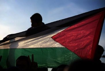 A planned visit by a Fatah delegation to the Gaza Strip has been postponed to next week, a Gaza government official said Monday.
