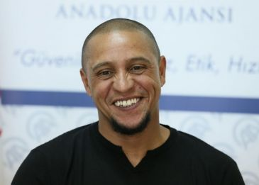 Roberto Carlos, coach to Turkish club Sivasspor says that he has received offers from Spain, France, China, UAE and Qatar
