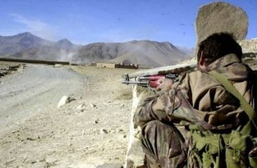Two Tehrik-e-Taliban-linked groups clash in North Waziristan using heavy weapons, security sources say
