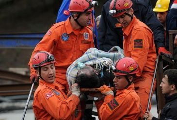 Turkey declares three days of mourning, as rescue efforts try to reach mine shafts that trapped workers.