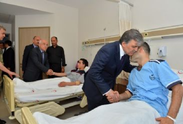 Turkey's President visits the town of Soma, scene of the mining disaster, to offer his condolences