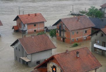 Bosnia struggles in the aftermath of floods which have left at least 35 people dead