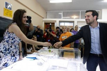 Syrian immigrant Nebil Yusuf Murad has won Sunday's local elections in the Andravida-Killini municipality in the Peloponnese peninsula of southern Greece, preliminary results show.