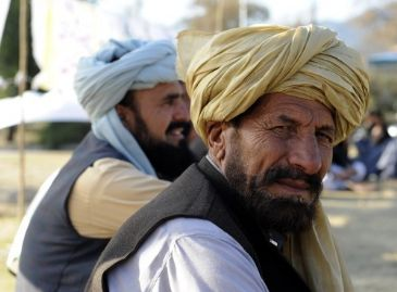 Main network of Pakistani Taliban open to alliance with rivals after formation of breakaway group