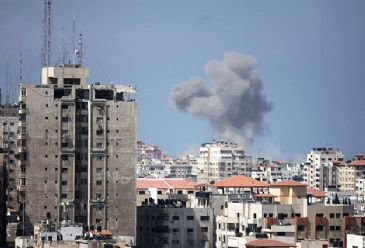 Israeli army resumed airstrikes on the Gaza Strip on Friday following the expiry of a three-day ceasefire with Palestinian factions.