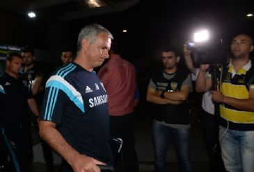 Turkish clubs Fenerbahce and Besiktas and England's Chelsea will play in a charity tournament on Friday for the families of those deceased in the Soma mining disaster.