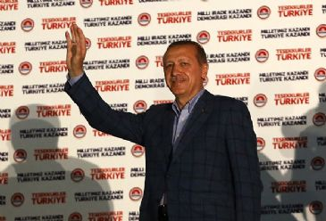 President-elect Erdogan calls on nation to 'establish a strong Turkey together' in his customary post-election 'balcony speech.'