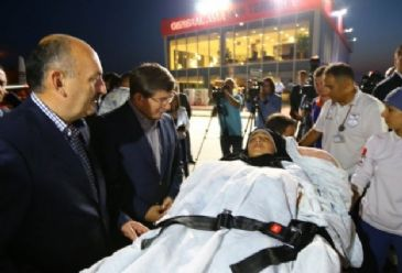 Turkey plans to take in at least 200 Gazans who are in need of treatment, announces Turkish Foreign Minister Ahmet Davutoglu