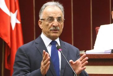 Former Turkish foreign minister takes new CHP role; tells reporters: 'Solving Istanbul's problems is a ladder that leads to solving Turkey's problems.'