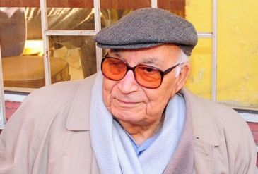 Turkey's first candidate for the Nobel Prize in Literature, Yasar Kemal, hospitalized with respiratory problems