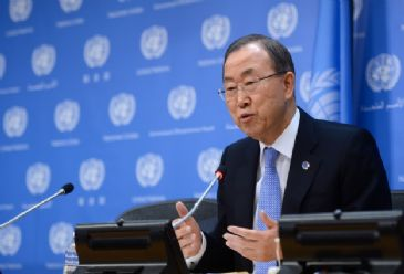 UN Secretary General Ban Ki-moon has urged African leaders not to use 'undemocratic' constitutional changes to cling to power.