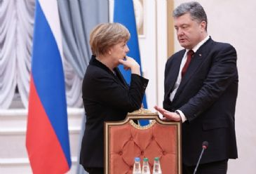 Talks between Poroshenko, Putin, Hollande and Merkel continued for 13 hours in the Belarusian capital